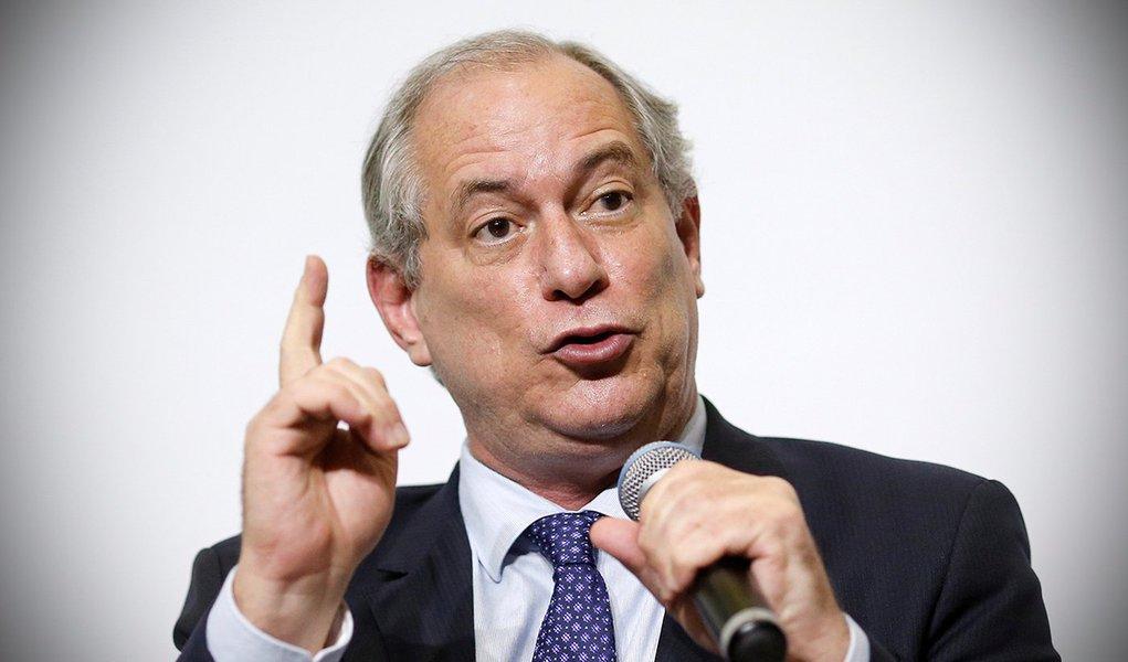 Ciro manifesta desejo de fechar agências reguladoras