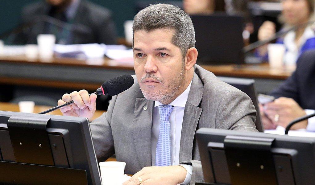 """""""Conseguimos o céu para o PSL"""", diz Delegado Waldir sobre acordo com Maia"""