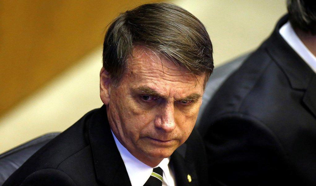 Bolsonaro carimba petistas de comunistas para anular marca histórica social democrata do Partido dos Trabalhadores