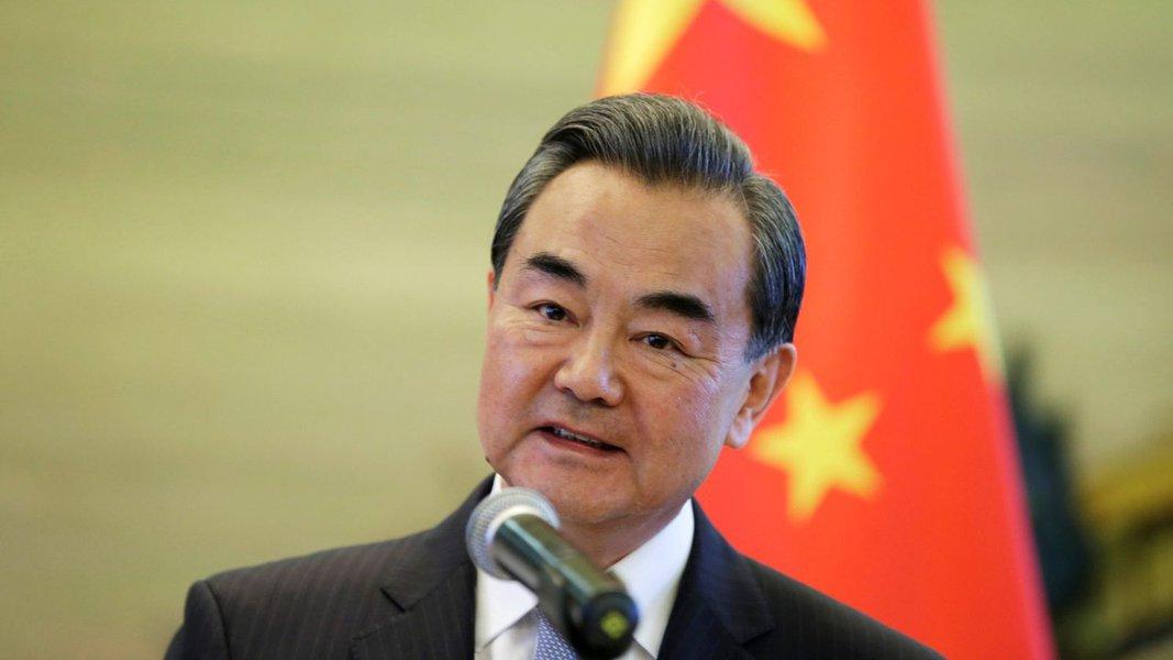 China diz que EUA devem parar com mania de perseguição e de criar rivais