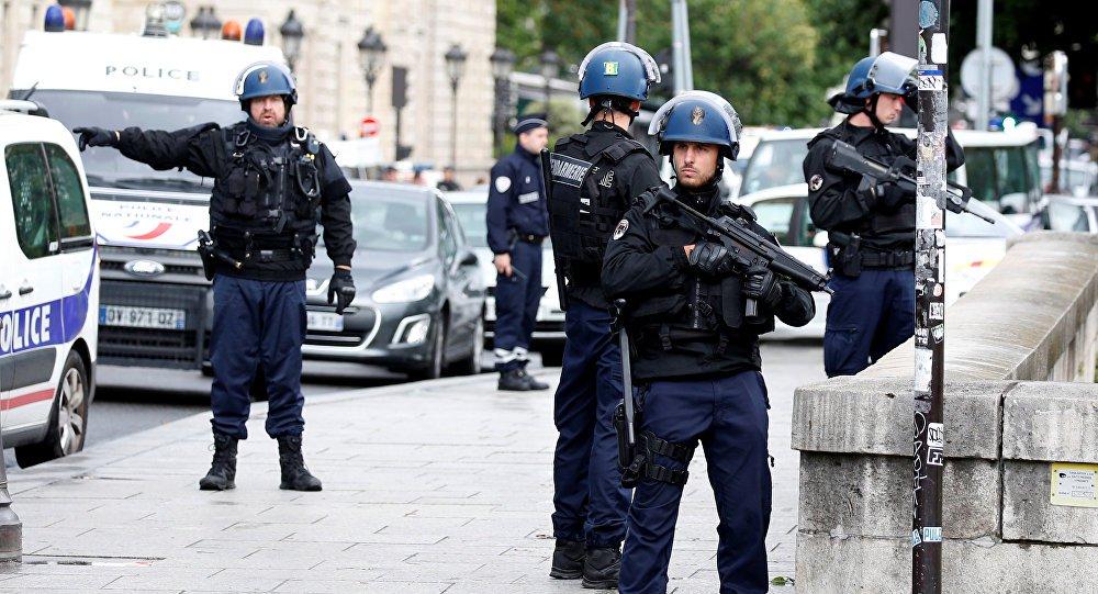 Atirador mata um e fere seis em feira natalina em Estrasburgo
