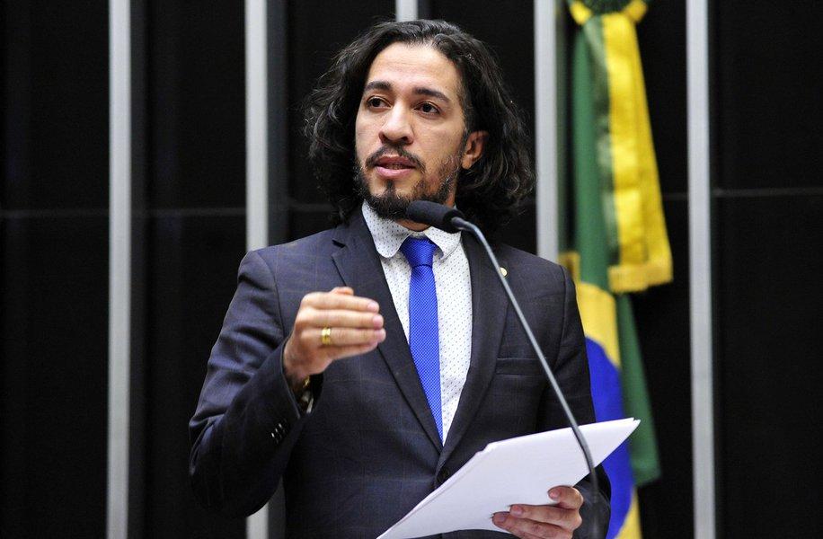 Bolsonaro tenta desarquivar queixa contra Jean Wyllys
