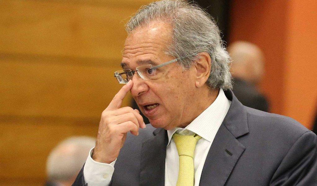 Paulo Guedes sobre divisão de recurso de petróleo: 'tá difícil'