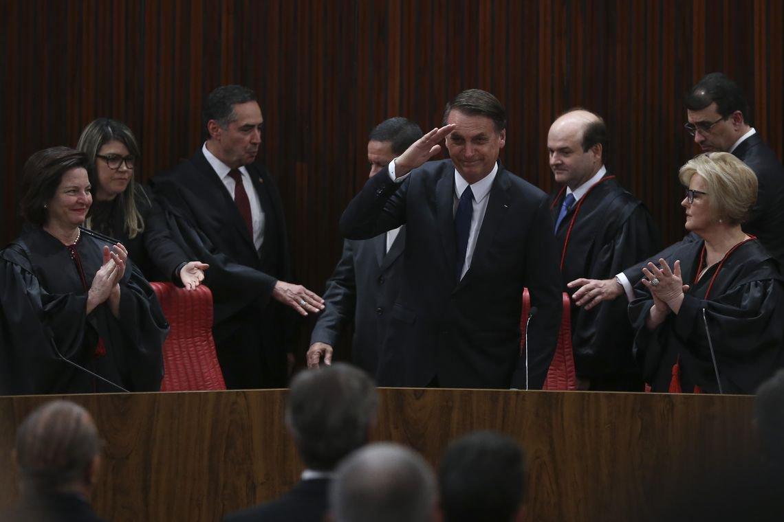 Bolsonaro não governa para todos os brasileiros e deixa claro que faz distinção ideológica