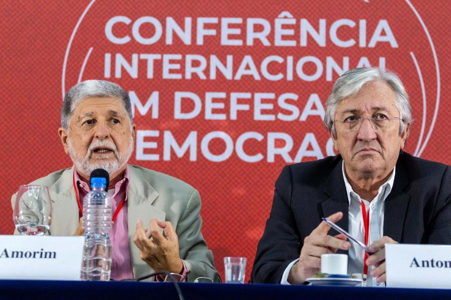 Lideranças internacionais reforçam importância de união contra extrema-direita