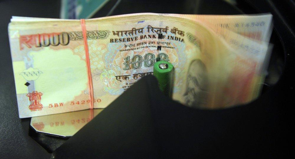 Nova Deli e Abu Dhabi acordaram realizar comércio em moedas locais