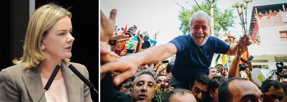 'Temos esperança que Lula deixe prisão antes do Natal', diz Gleisi