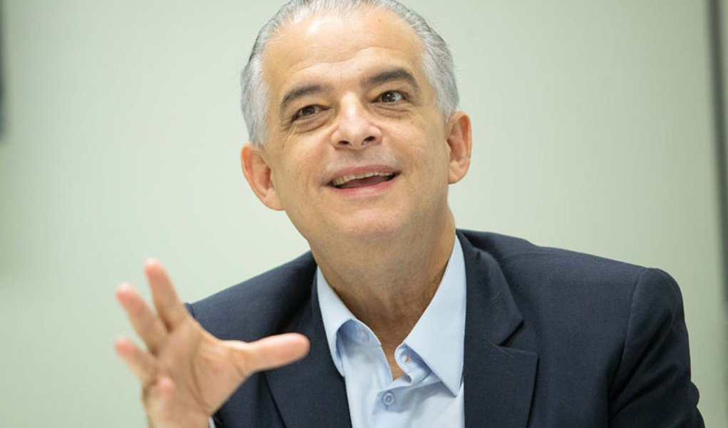 A política pode ser chamada de volta, diz Márcio França