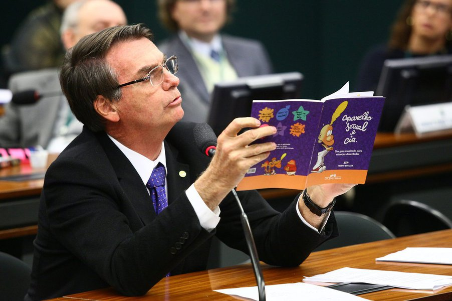 Bolsonaro e a proposta de EAD para crianças e jovens