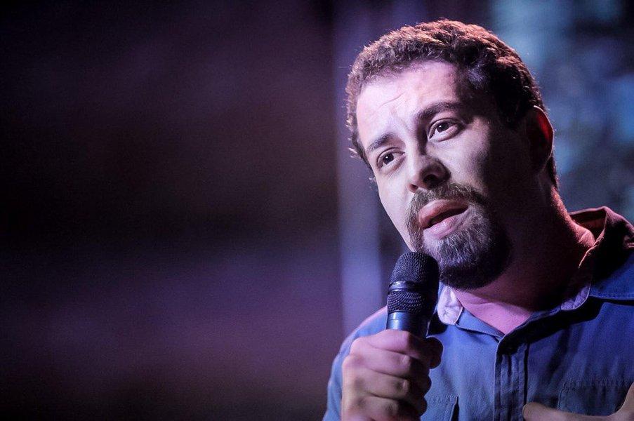 'Vergonhoso', diz Boulos sobre trecho de conversas de Moro que cita Fux