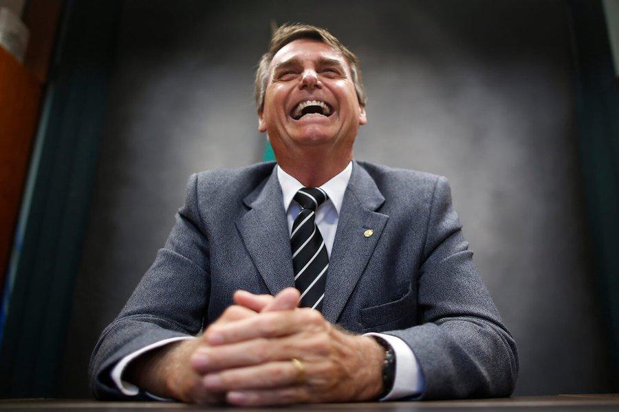 Bolsonaro, o generoso: me dá um dinheiro aí! O fim do 'mito'