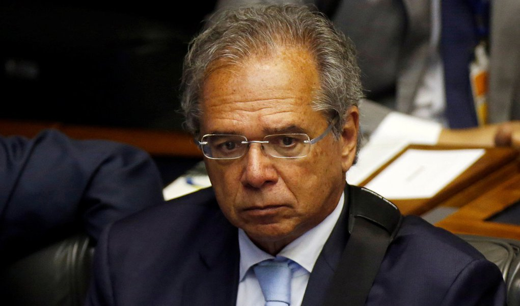 Paulo Guedes pode cair