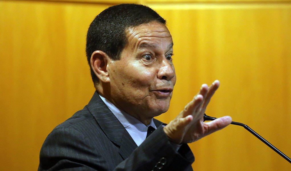 Mourão contradiz Bolsonaro e descarta retirada de embaixada da Palestina