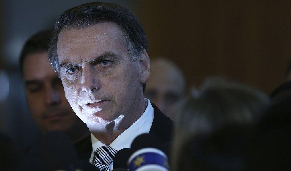 Filósofo Henry Levy, no Le Monde: 'Bolsonaro é a pornografia política'