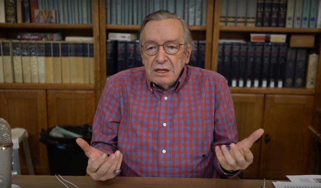 Olavo de Carvalho: 'Quem destruiu o país foram os professores de filosofia, direito e ciências sociais'