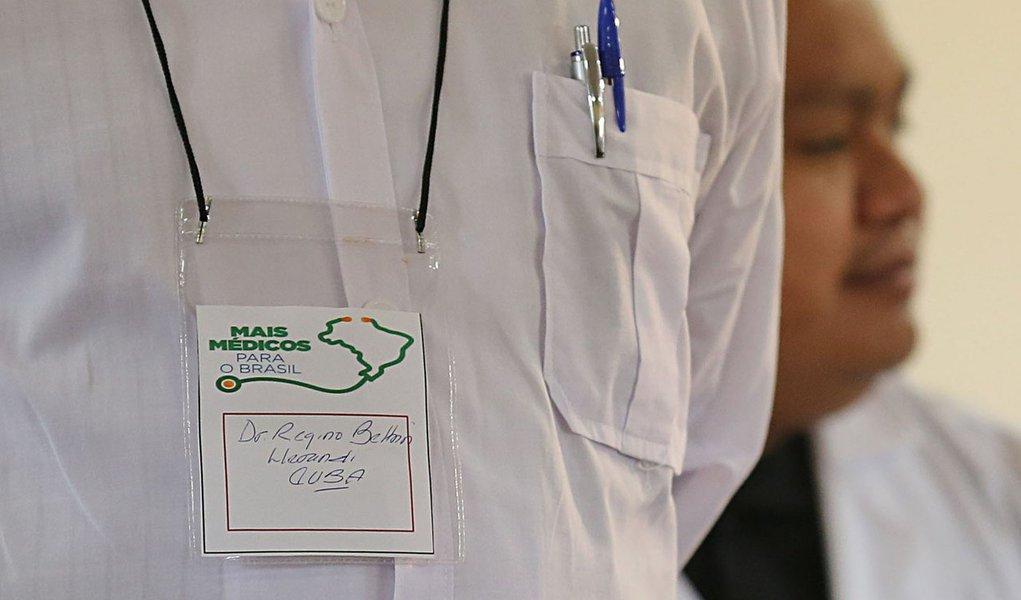 Brasileiros desistem e Mais Médicos abrem mais vagas