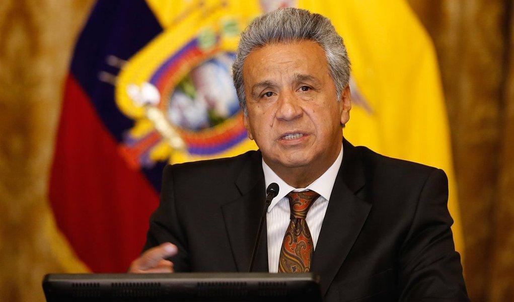 Presidente do Equador afasta temporariamente vice suspeita de corrupção