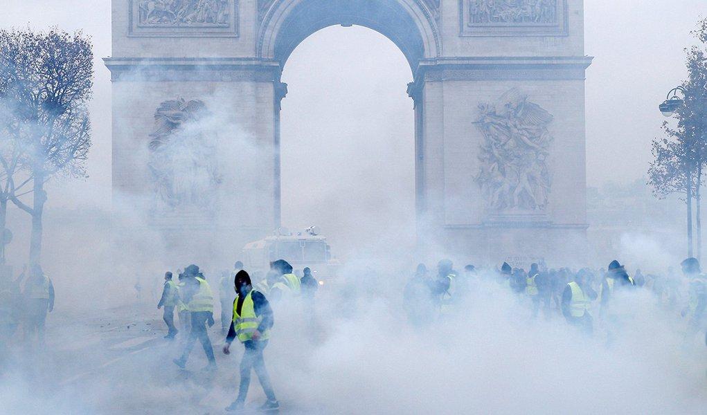 Protestos encolhem vendas na França em até 25%