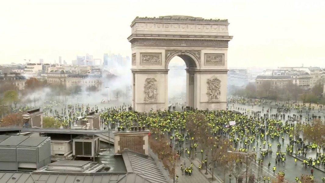 Coletes amarelos: Uma raiva explosiva em todo território francês