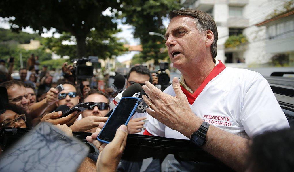 Aliados pressionam Bolsonaro a rebaixar Direitos Humanos