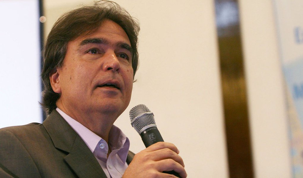 'Austeridade fiscal mata', adverte o ex-ministro José Temporão