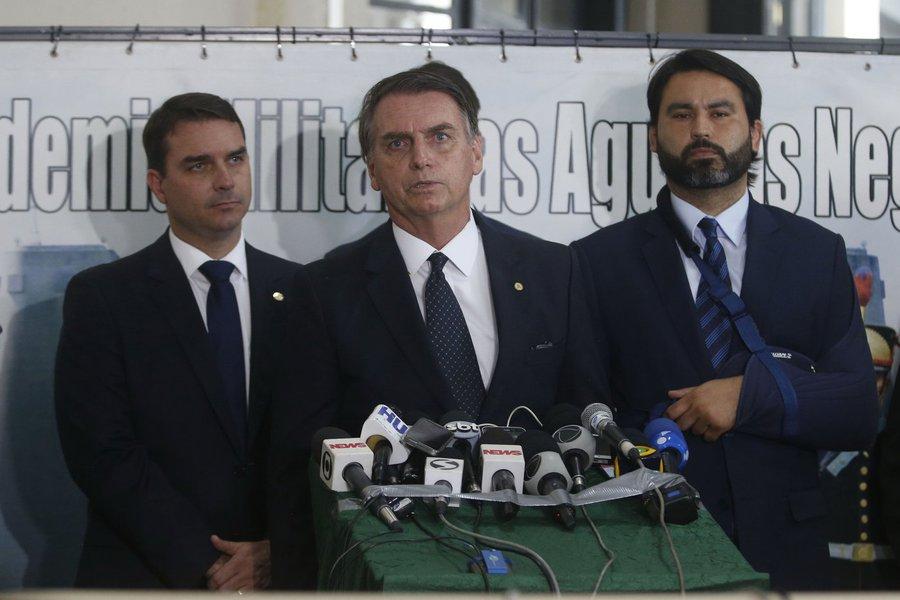 Bolsonaro diz que desconhece inquérito sobre Paulo Guedes e que também é réu no Supremo
