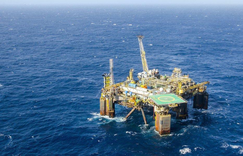 Brasil pode ter entrada de US$ 30 bilhões com partilha do petróleo