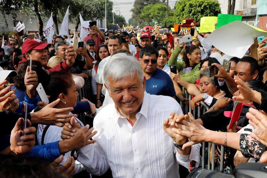 """Coxinha mexicano: """"se Obrador ganhar vou fugir para a Suécia"""""""