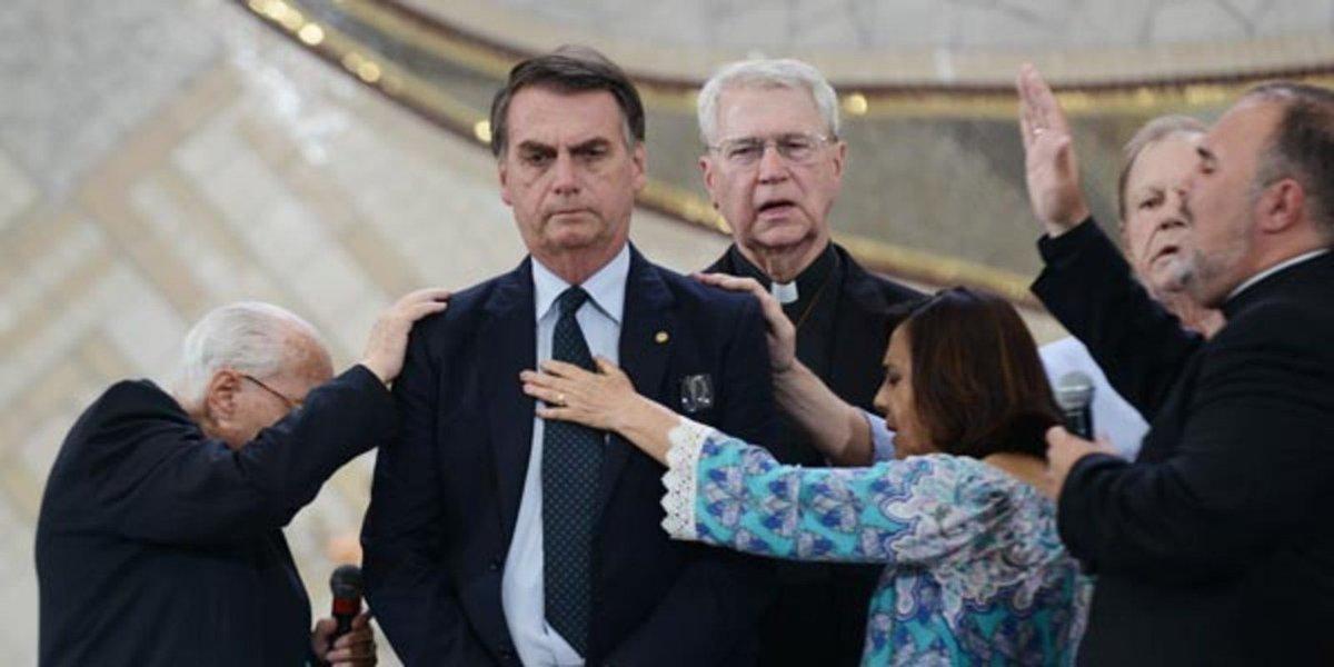 Bolsonaro na Canção Nova: fundamentalistas católicos são iguais aos fundamentalistas evangélicos