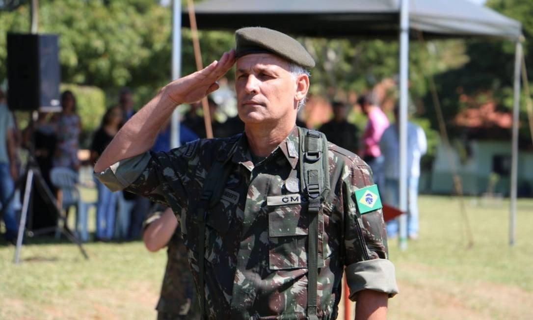 General elogia critérios de promoção militar