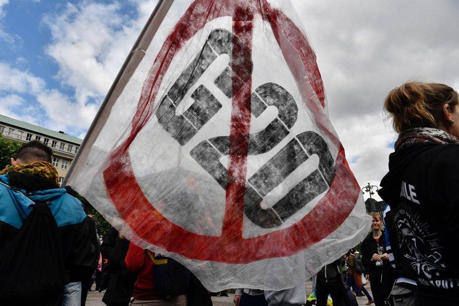 Manifestantes protestam em Montevidéu contra o G20