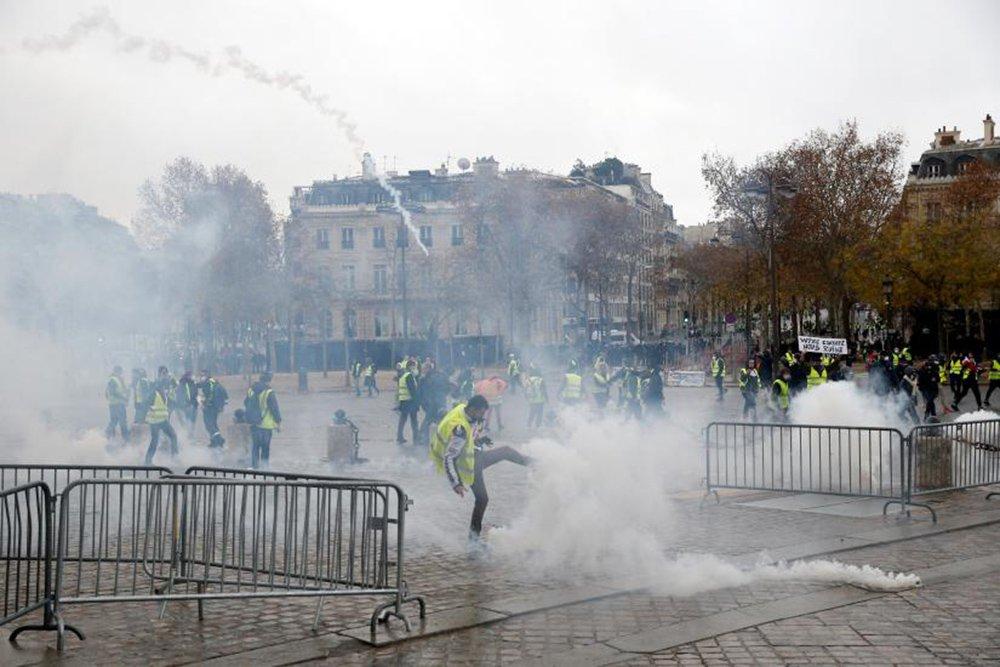 Protestos em Paris já deixaram mais de 100 presos e 20 feridos