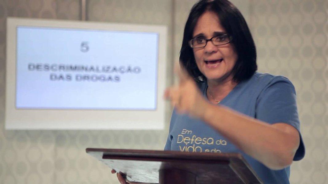Pastora Damares Alves é favorita para assumir Direitos Humanos, diz Bolsonaro