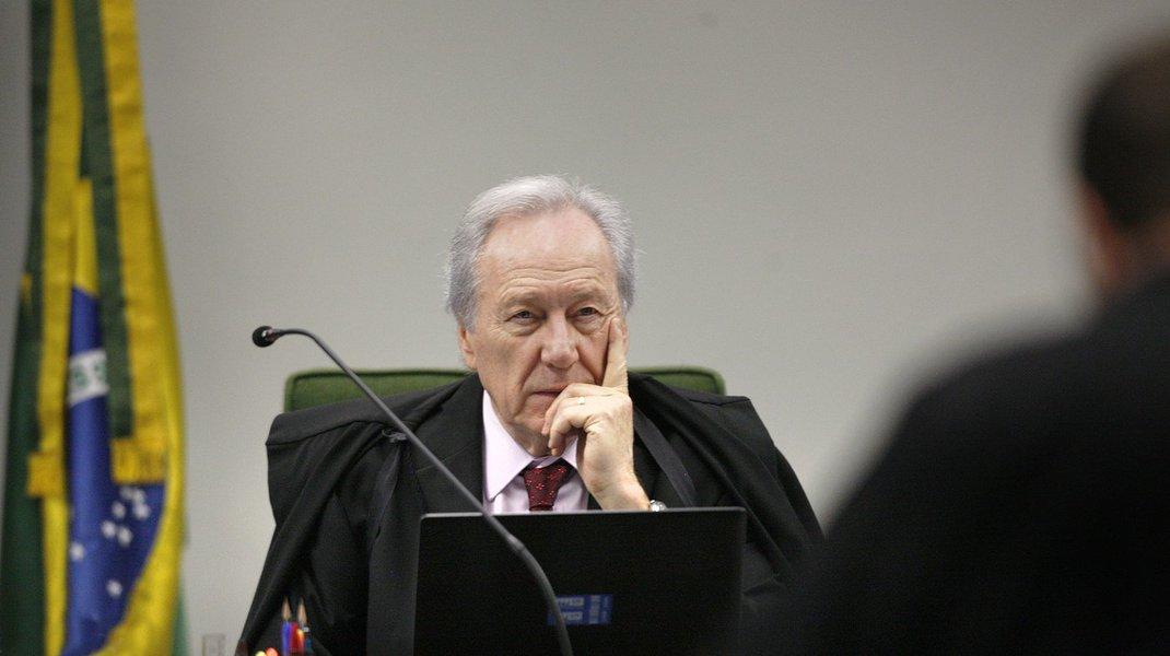 Lewandowski é favorável ao decreto do indulto de Natal