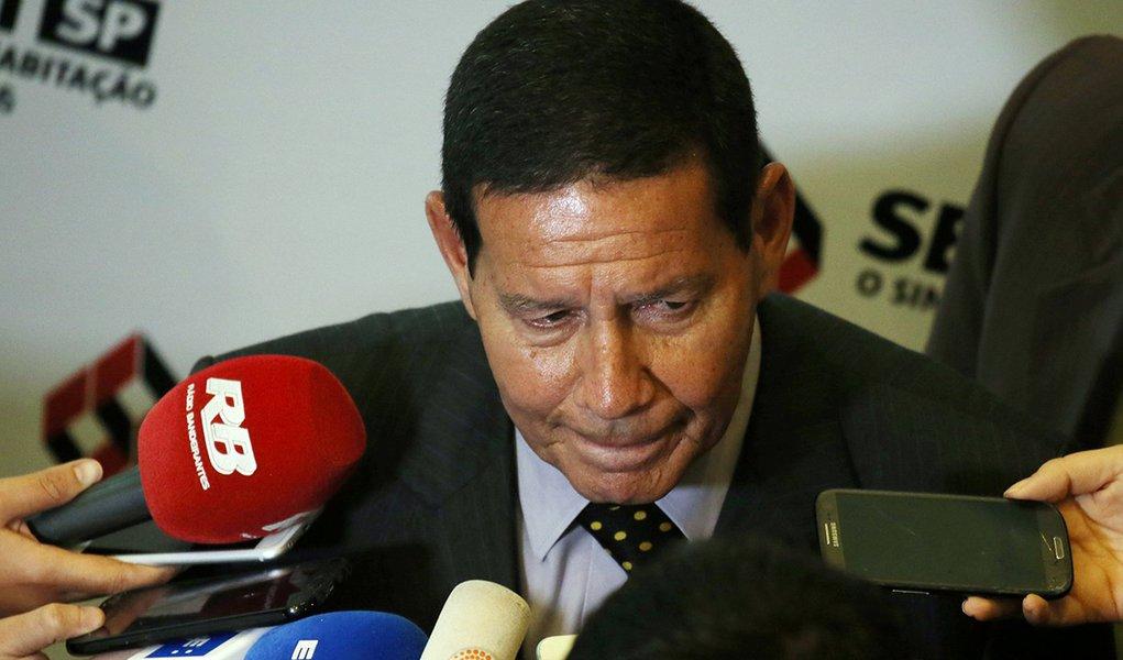 Mourão promete recuperar empreiteiras nacionais