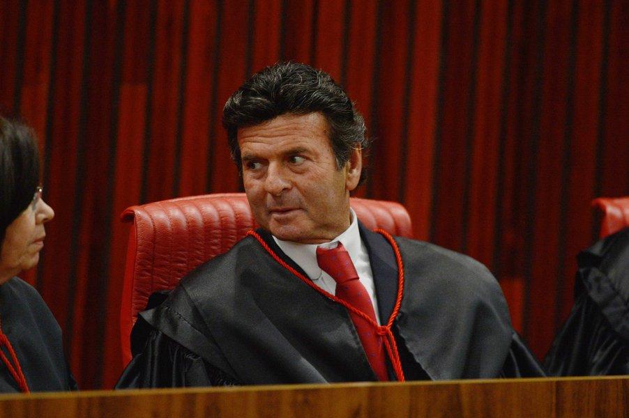 Fux alega equívoco ao mandar ação sobre Renan para Justiça Federal