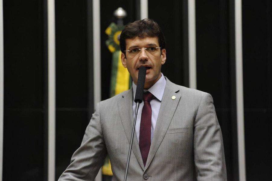 Bolsonaro anuncia deputado Marcelo Alvaro para Ministério do Turismo