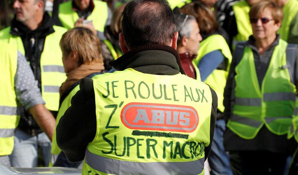Novos protestos dos 'coletes-amarelos' elevam tensão em Paris