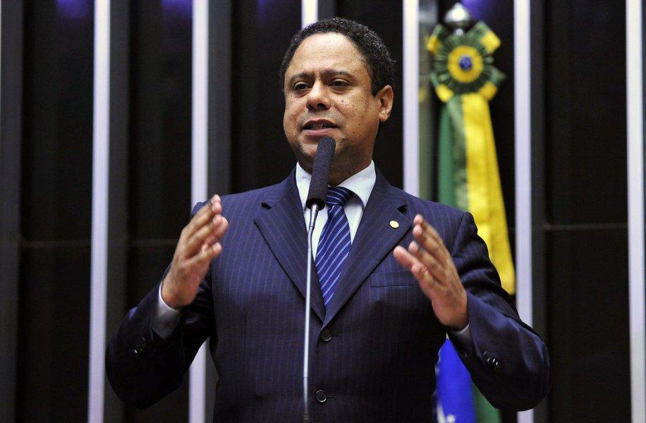 Orlando Silva: Luciana tem que visitar Lula para evitar ruídos