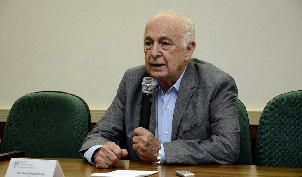 Bresser: Bolsonaro, Alckmin e Amoêdo são perigo para o País