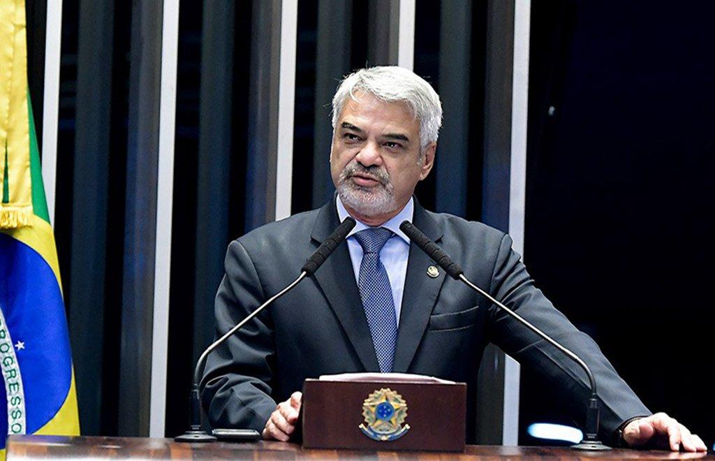 Humberto critica 'turma difusora de fake news de Bolsonaro' sobre Cuba