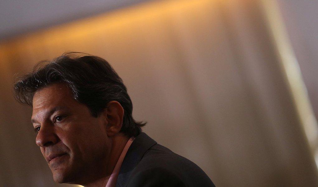 Haddad se reúne com Felipe Gonzáles e Zapatero
