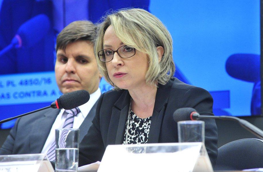 Delegada Erika Marena é cotada para chefiar a Polícia Federal