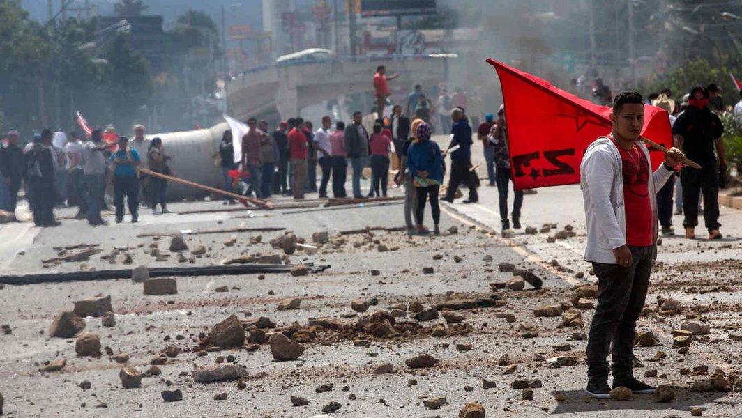 Fascismo, golpes de estado e recolonização