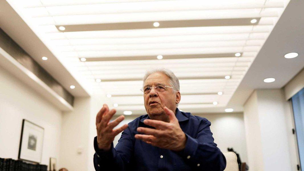 FHC lava as mãos, recusa manifesto e fecha com Bolsonaro