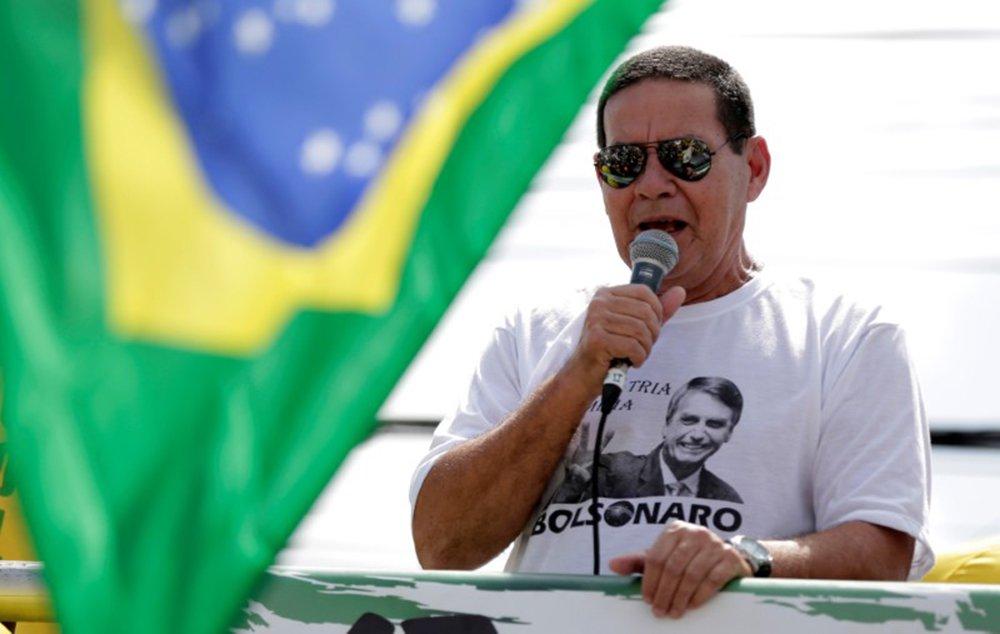 Mourão contradiz Bolsonaro e afirma: imprensa não é inimiga