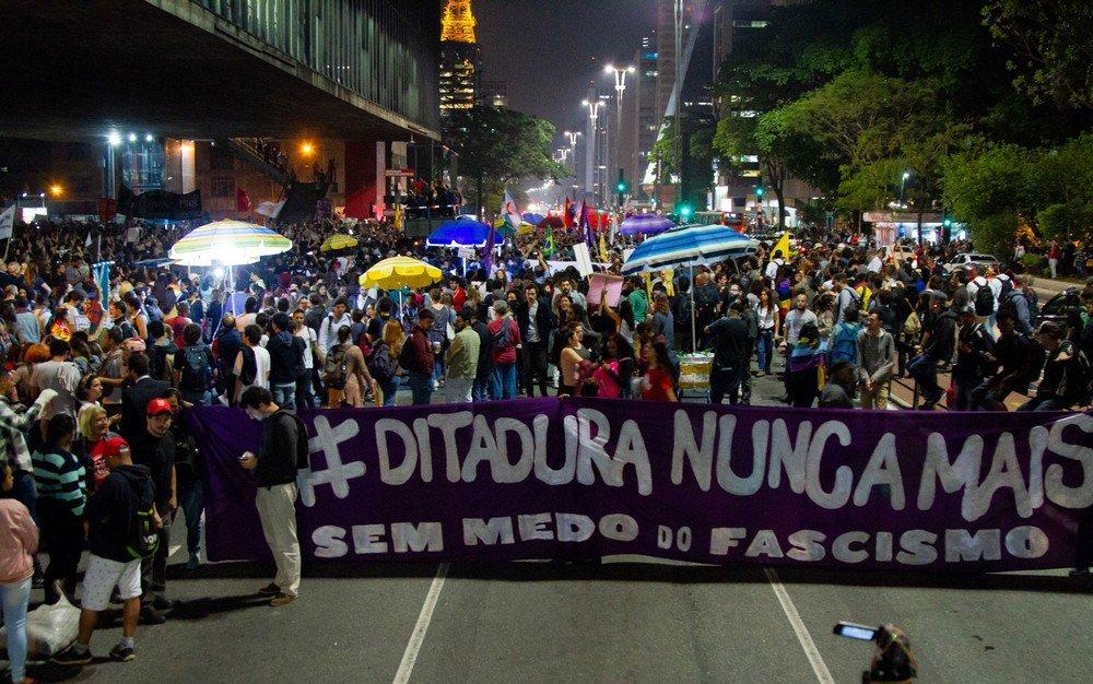 Manifestação contra Bolsonaro em São Paulo tem violência da PM