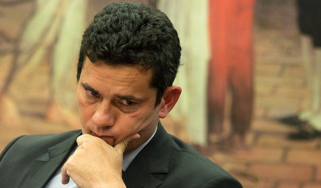 Sérgio Moro, que recebe auxílio-moradia, agora quer punir Lula pelo pedalinho