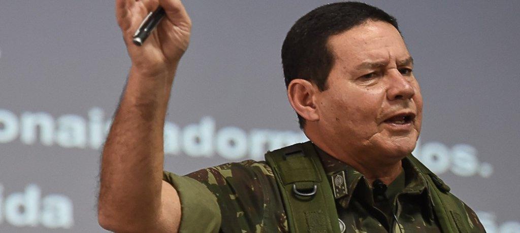 Mourão baixa a temperatura e nega guerra contra Venezuela