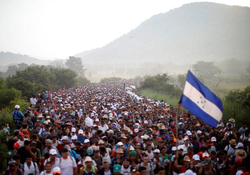EUA preveem enviar mais de 5 mil militares para fronteira com México, diz imprensa